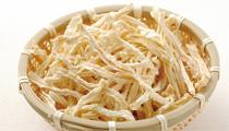 一度食べたらクセになる 西上経営組合のきりぼし大根と蕎麦